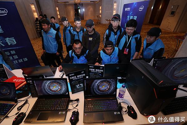 #本站首晒#MECHREVO 机械革命 Z2 游戏笔记本 外观+拆解+测试