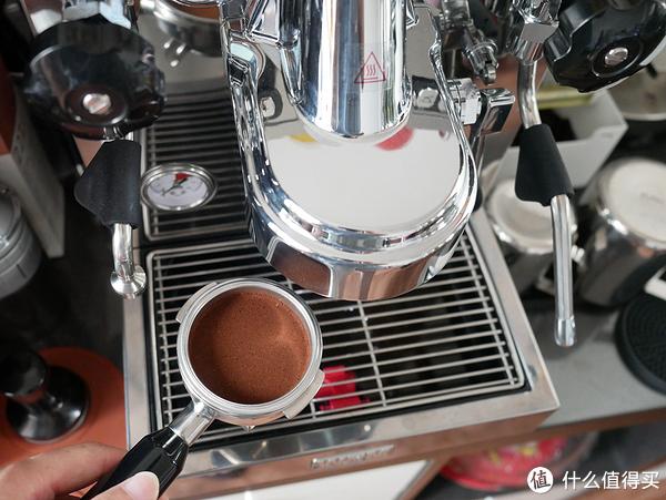 兔牙咖啡馆 篇一:在家也能喝到一杯好咖啡 Welhome惠家KD-320意式半自动咖啡机