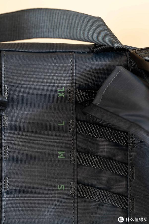 ▲背面细节,可以看出缝线很好