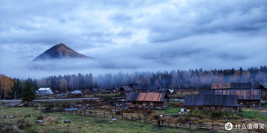 清晨的禾木村