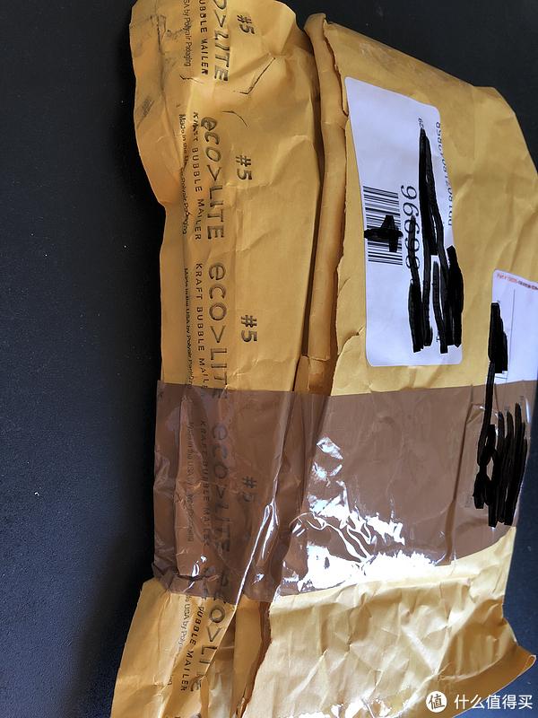 打开就是这种浓浓美亚风格的包裹