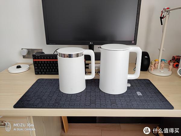 米家恒温水壶(左)个头比米家电水壶(右)略小
