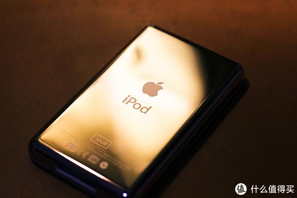 ↑背部划痕较少,iPod Logo经典
