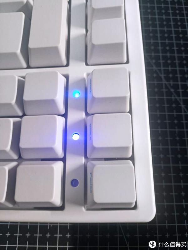 Akko Ducky 3087 入门级机械键盘一个月使用体验