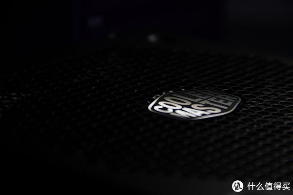 十年质保!来自酷冷至尊的新款全日系电容金牌全模组V550GOLD电源