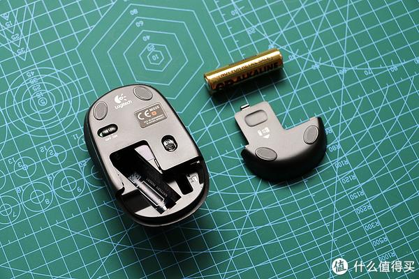 鼠标、电池、电池仓盖