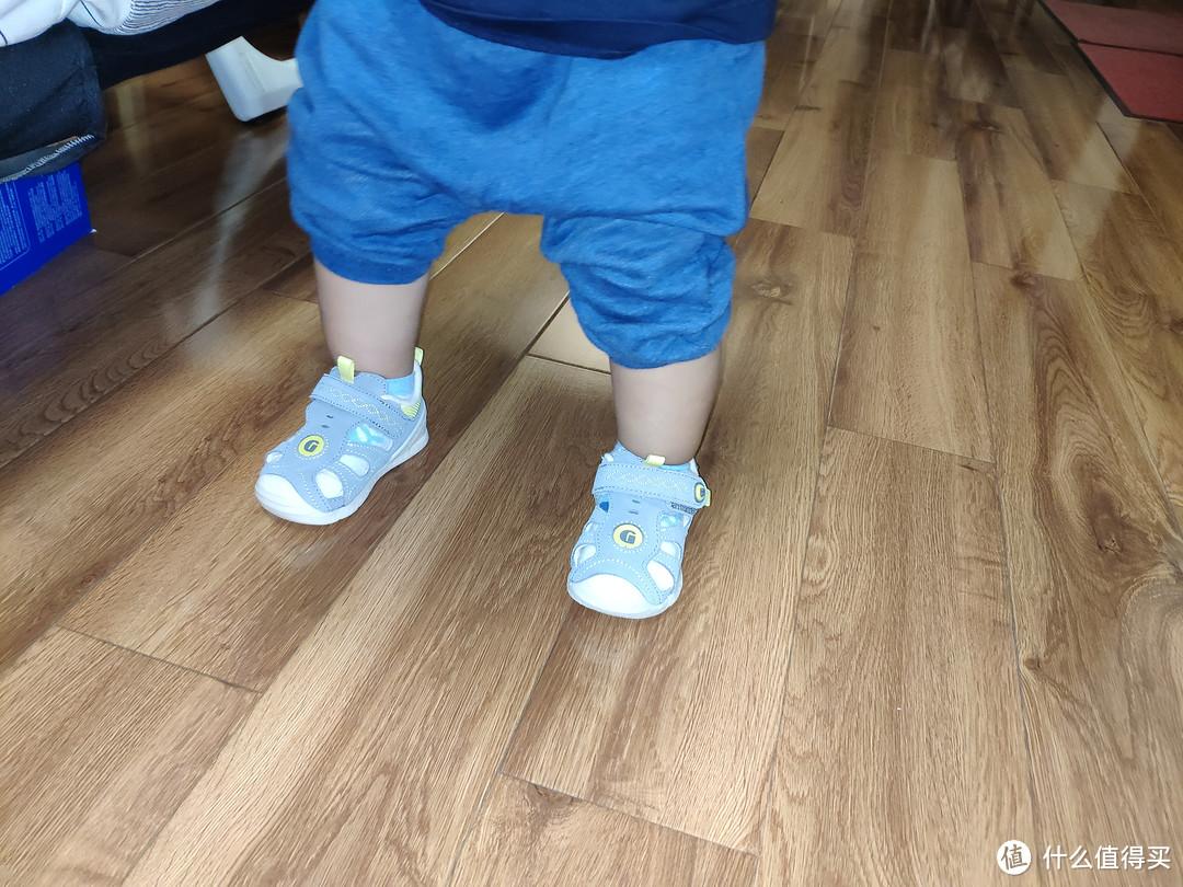 基诺浦ginoble夏款婴儿包头凉鞋机能学步鞋TXG3018开箱