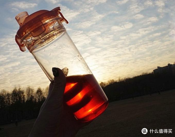 想多喝水?可能你需要一个这样的杯子