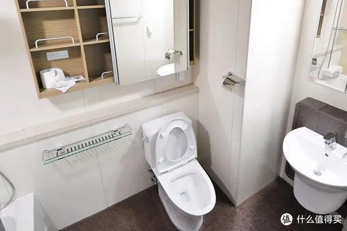 马桶美学论:智能同颜值具在,浴室也能大放光彩