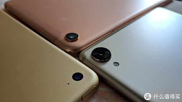 两台安卓的摄像头都是大凸起