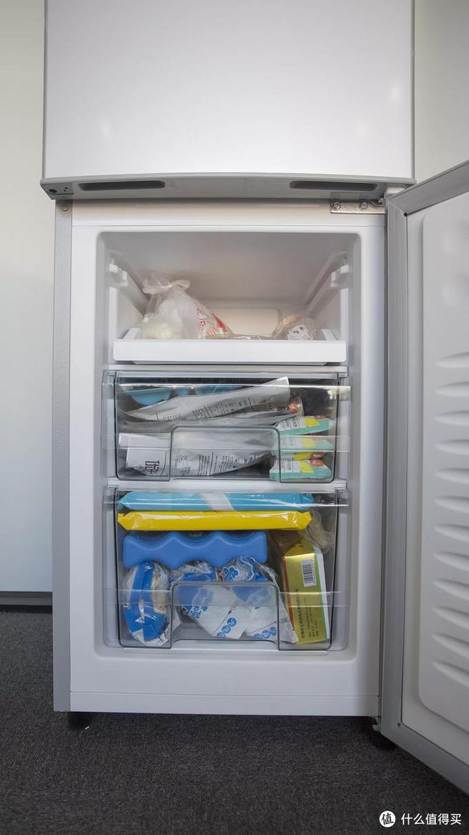 小米999元冰箱开箱 保鲜效果实测,小冰箱大容量对得起性价比