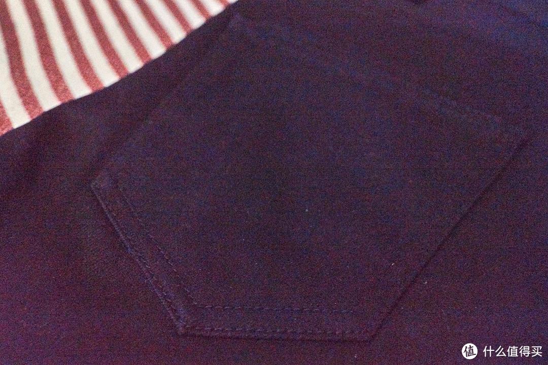 屁股后面的口袋也没有一点图案,像其他牌子,都会在上面有些图案,说是修饰屁股的,这个啥都没有,看来屁股不需要修饰了。