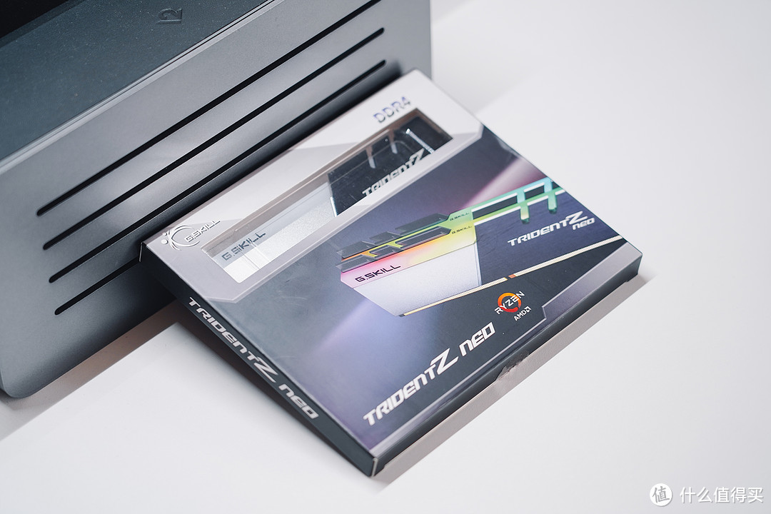 RGB也可以小清新:十年Mac用户,一时兴起装了台万元主机