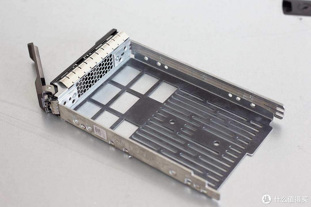 这个是装硬盘的架子