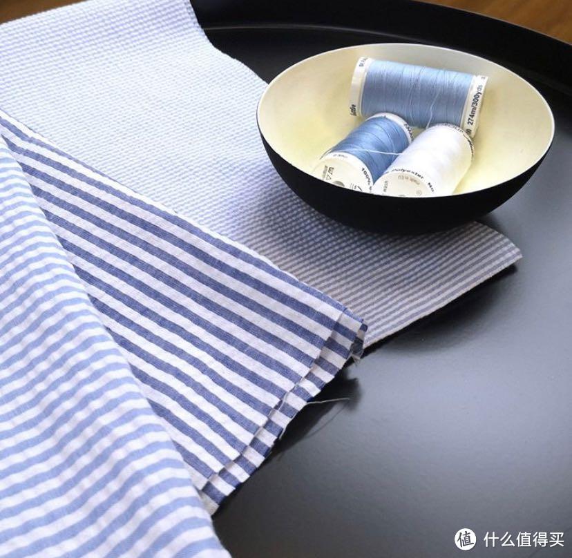 如果你讨厌亚麻材质的易皱难打理,那泡泡纱单品一定没有理由拒绝