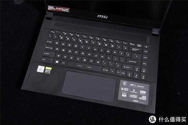 键盘的布局一体感很强