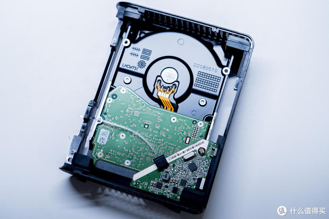 NAS扩容最划算方案 西数12T桌面硬盘亚马逊海淘晒单、测试、拆机