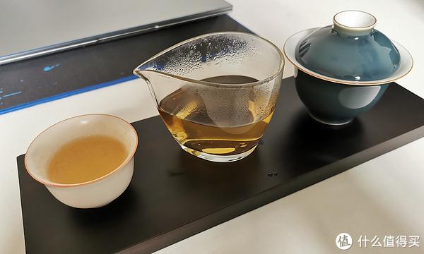上个自拍的效果图,边看剧边饮茶,方便