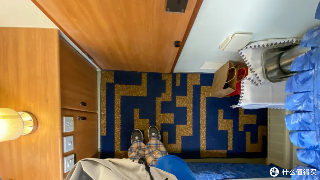 国内火车也有头等舱?看我多花了十倍价钱的包厢长啥样