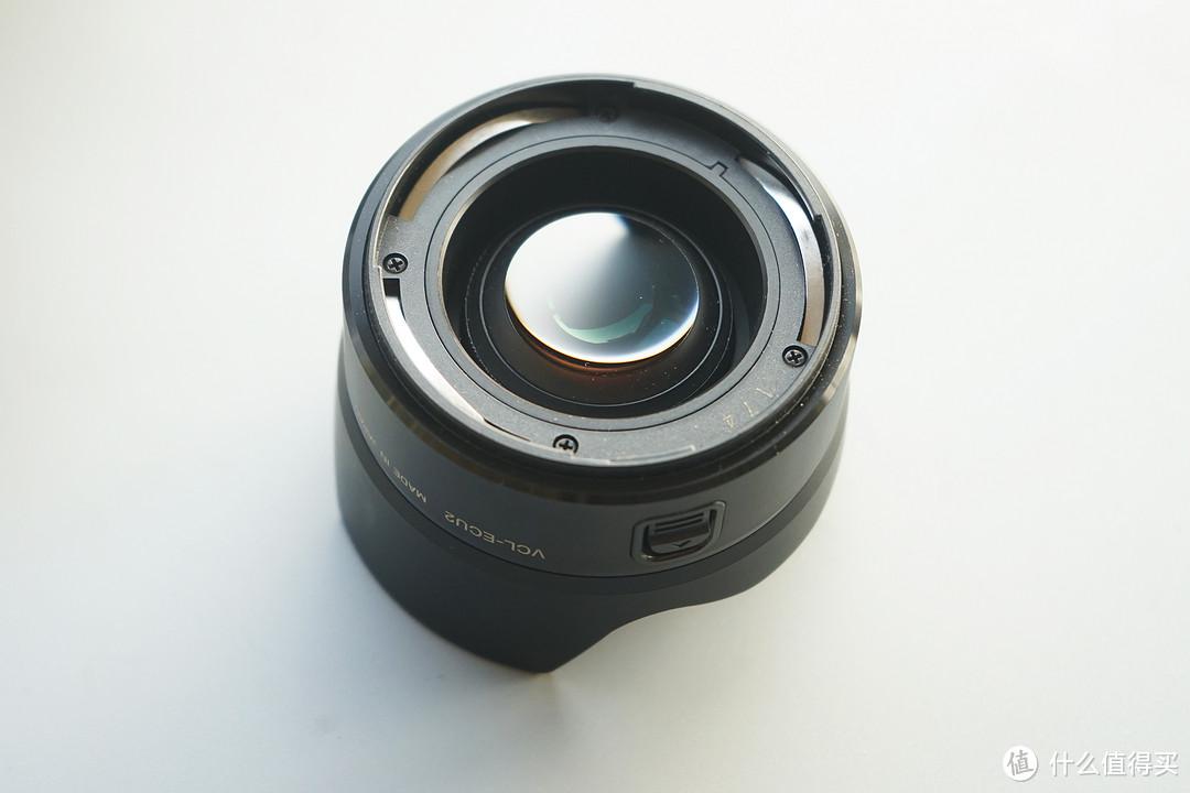 索尼黑,却偏用索尼相机,带上16MM 2.8+ECU2看车展