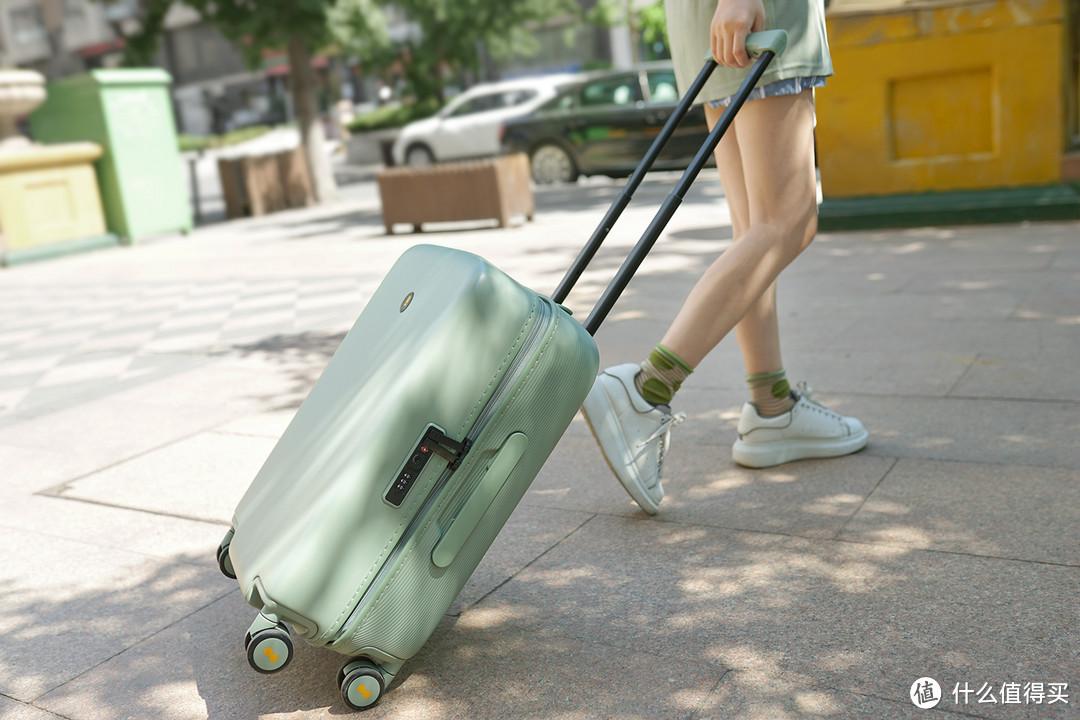 干货整理!20件旅行必备好物超全清单,小长假出游必看!