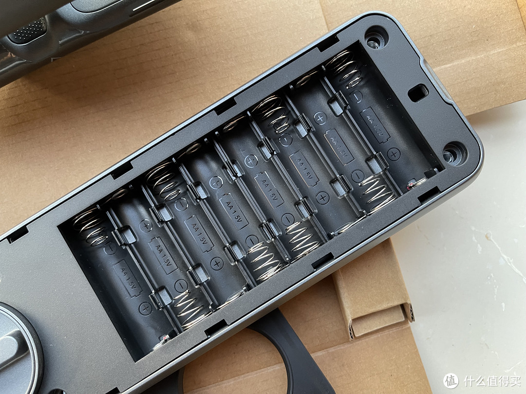鹿客SV40指静脉智能锁-全家人都能用的智能门锁