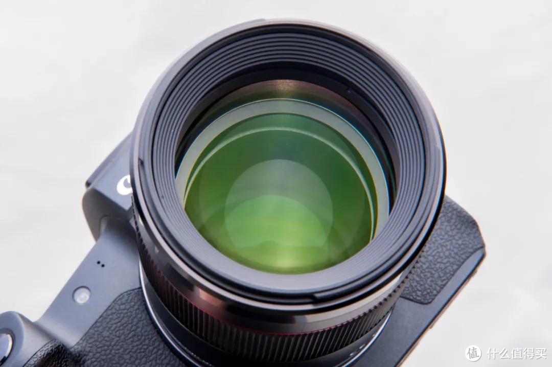 协议破解?永诺第一支RF卡口自动对焦镜头85mm F1.8R