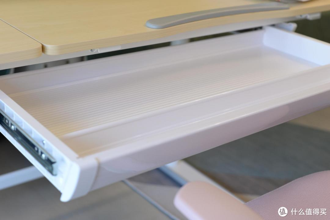 乐歌EC2实木电动升降儿童学习桌值不值得购买?我来告诉你!