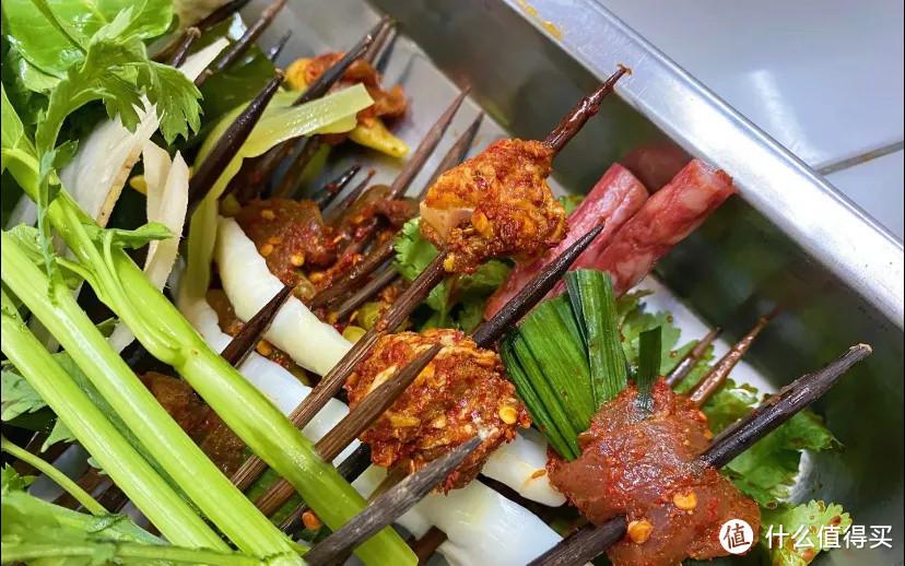 重庆的火锅店,是市井版解忧杂货铺