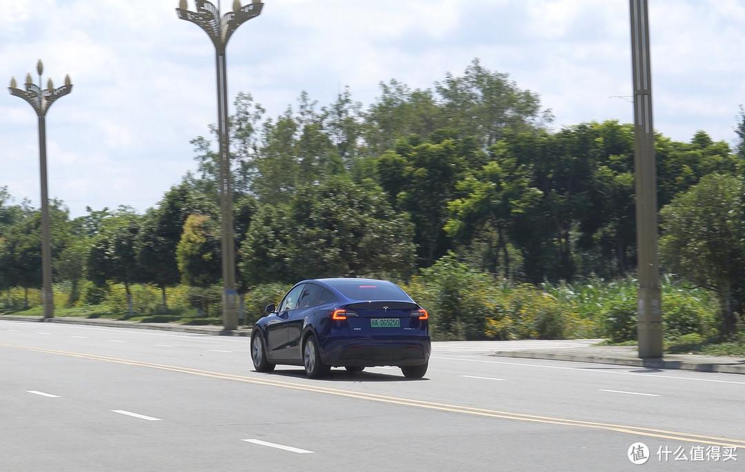 老油车用户体验了三天特斯拉Model Y,来说说我的感受