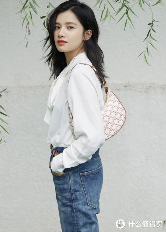 连Lisa都在背的七夕限定包包到底有多美?