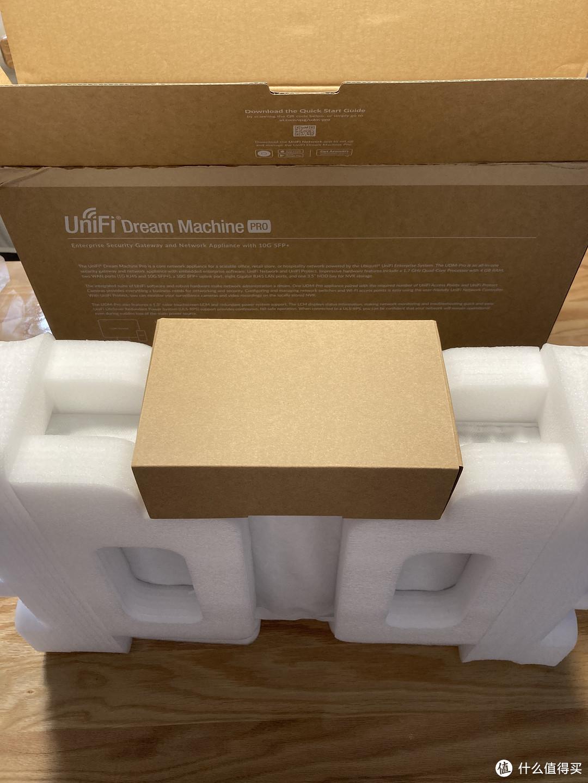 Ubiquiti 梦想机专业版本(UDM-Pro)简单开箱