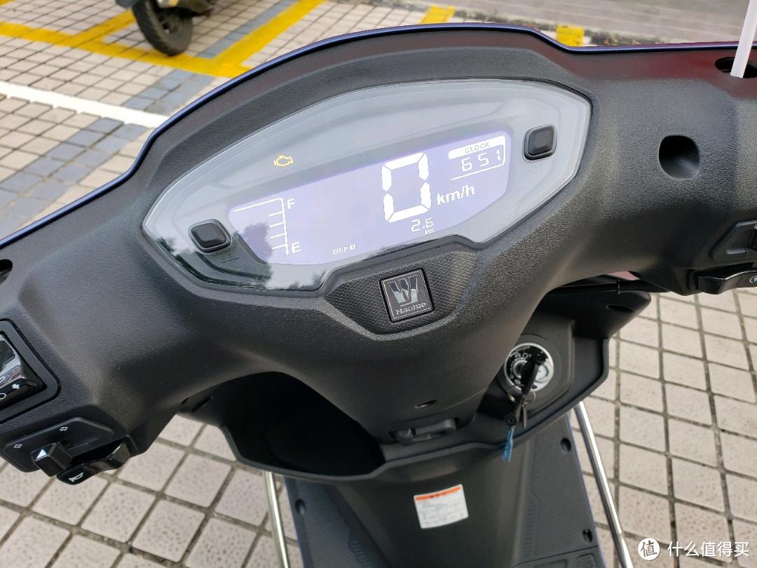 国庆探店,万元运动踏板摩托车哪款值得买